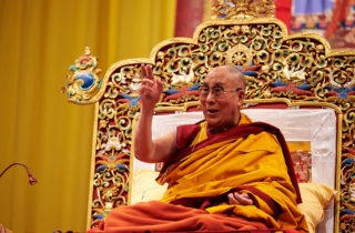 <div class='module-references-list--headline'><h2>S.H. Dalai Lama in Europa</h2></div>